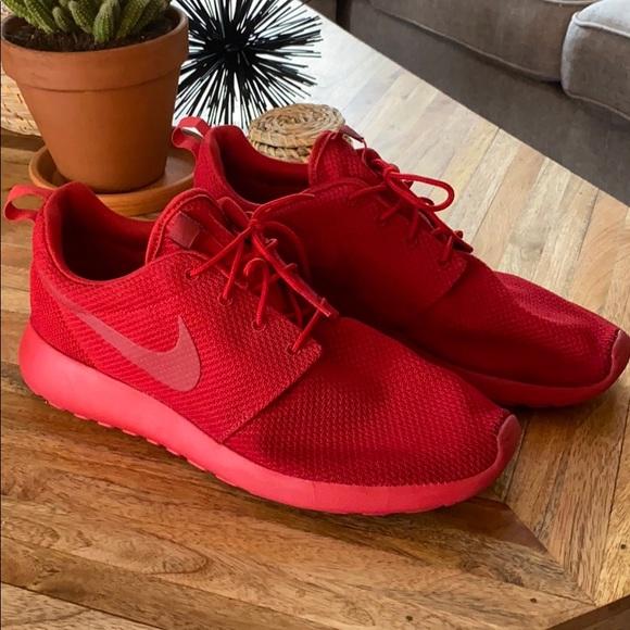 Nike Shoes | Roshe Triple Red | Poshmark